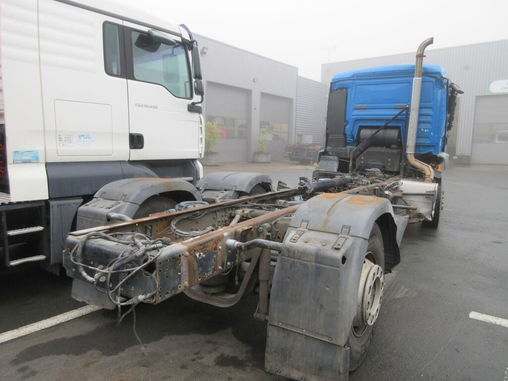 Damaged MAN TGS 26.360 chassis truck